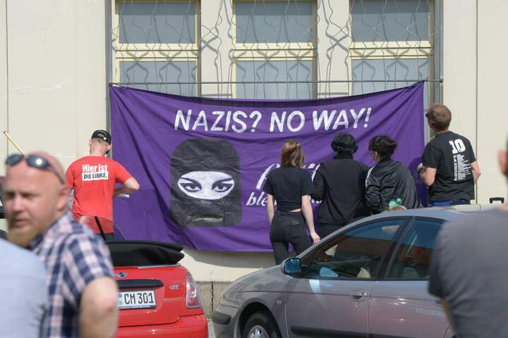 Eine Gegendemonstration mit etwa 20 Teilnehmern fand zeitgleich statt.