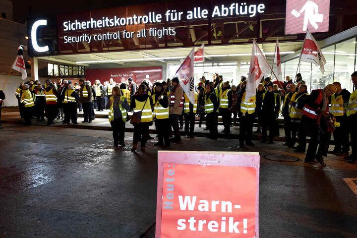 Wie in Berlin auch in Köln und Düsseldorf an den Flughäfen gestreikt werden.