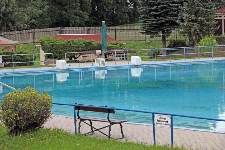 Das Freibad in Crossen wird seit 2004 von einem Verein betrieben. Der  jährliche Zuschuss der Stadt soll auch 2017 wieder 15.000 Euro betragen.