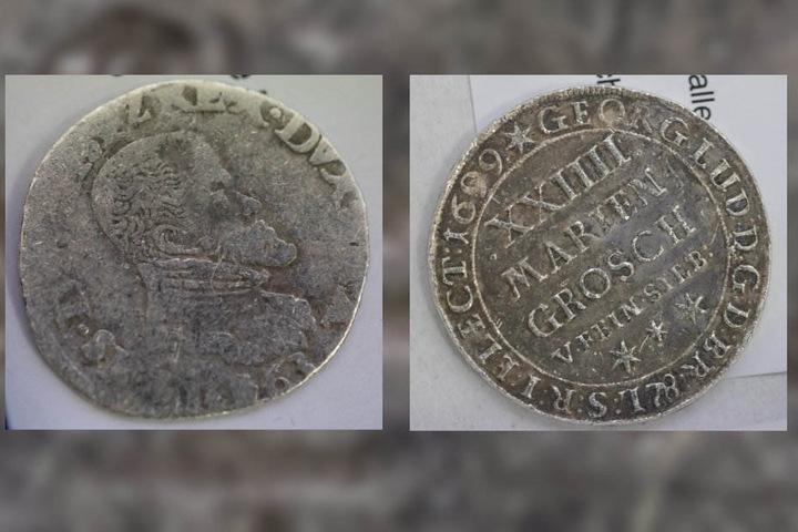 Bis zu 450 Jahre alt sind die gefundenen Münzen.