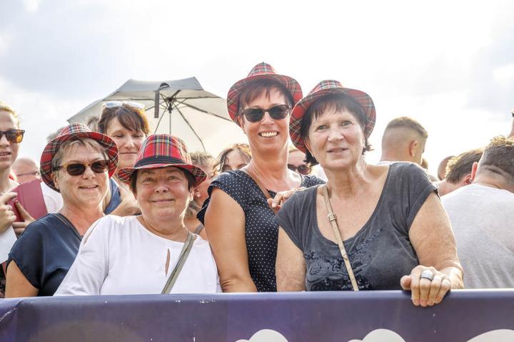 Fans ohne Ende! v.l.: Kerstin Schlottig (57), Ingrid Gläser (67), Andrea Schiller (49), Eva Exner (62)