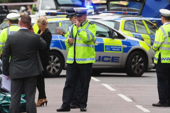Unfassbar, welches Bild sich den Londoner Polizisten am Mittwochnachmittag bot.