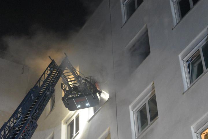 Offenbar brach das Feuer im Zimmer des Patienten im fünften Stock aus.