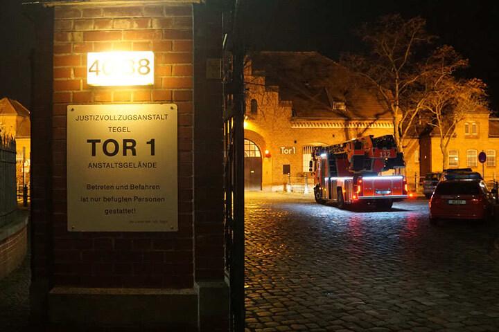 Die Feuerwehr ist mit 44 Einsatzkräften vor Ort.