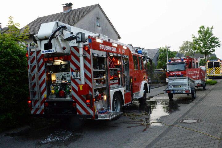 Mit einem Großaufgebot rückte die Feuerwehr an.