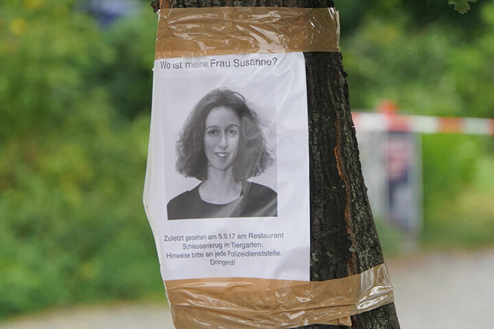 Der Ehemann suchte mit solchen Zetteln samt Bild nach seiner verschwundenen Frau.