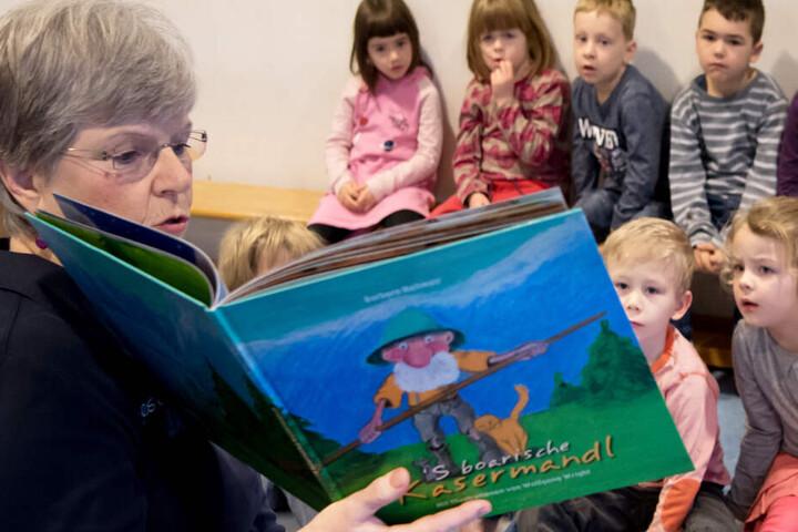 Trotz kritisierter Vernachlässigung: In vielen Kindergärten in Bayern lernen die Kleinen noch Bairisch. (Archivbild)