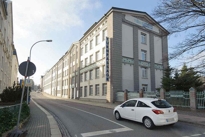 Einst Einkaufstempel, heute Geisterhaus: Die Turmpassage in Limbach-Oberfrohna.