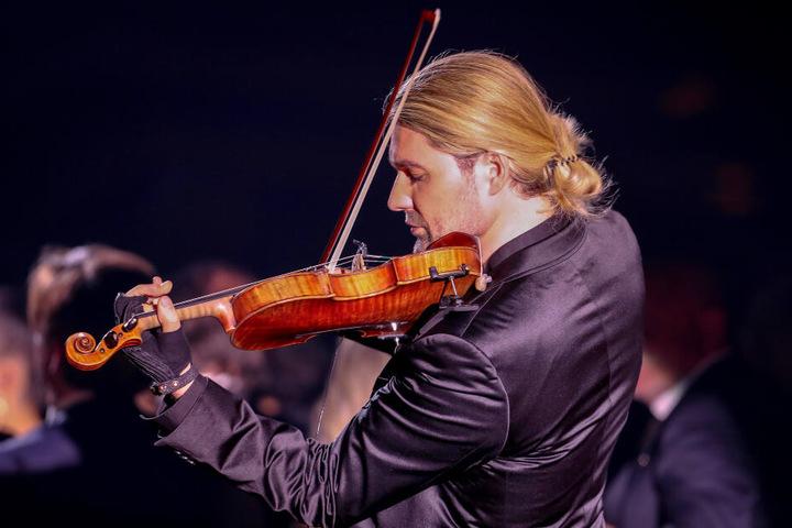 So kennen und lieben ihn seine Fans: David Garrett beim Musizieren mit seiner Geige.