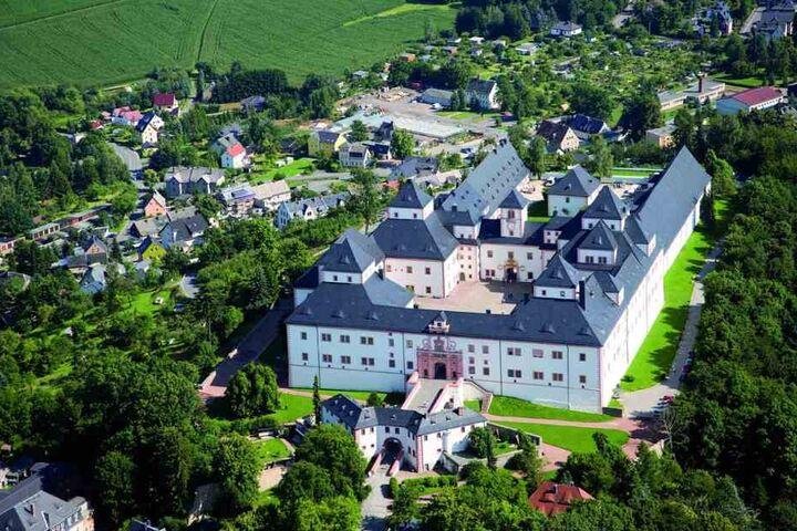 Das Schloss Augustusburg thront über dem gleichnamigen Ort.