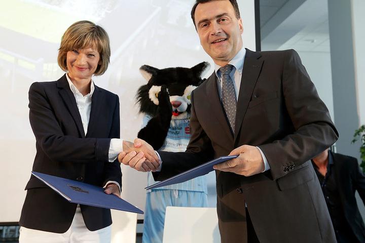 Oberbürgermeisterin Barbara Ludwig (54, SPD) und Mathias Hänel (CFC-Präsident) bei der Eröffnung vom neuen Stadion.