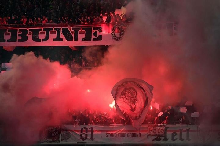Schon zu Beginn der Partie hatten die Fans des RSC Anderlecht gezündelt.