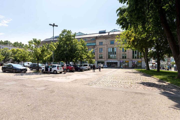 Auf dem Parkplatz am Tietz soll ein weiteres Hotel gebaut werden.