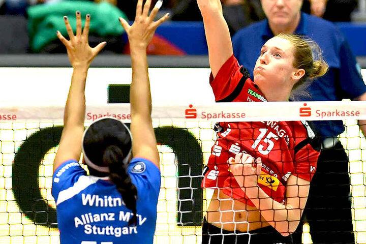 DSC-Neuzugang Kadie Rolfzen (r.) glänzte gegen Stuttgart mit einer starken Vorstellung und zehn Punkten.