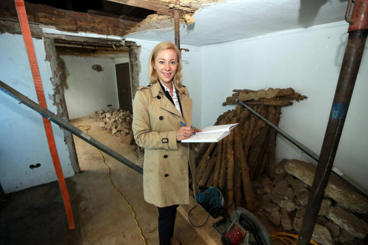 Bauherrin Nicole Kapitza will im Frühjahr oder Sommer 2018 ihre Kanzlei in dem alten Haus eröffnen. Bis dahin ist noch einiges zu tun.