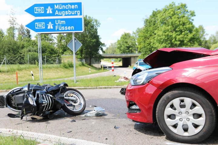 In Bayern ist es zu einem schweren Verkehrsunfall gekommen.