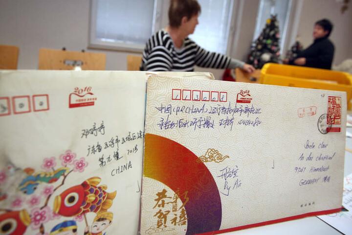 Kinder als aller Welt schreiben dem Christkind im bayerischen Himmelstadt.