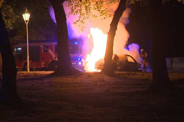 Bereits in der vorangegangenen Nacht waren in Berlin-Tiergarten sechs Autos vollständig ausgebrannt.