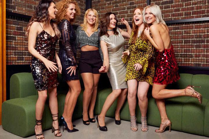 Die GZSZ-Damen bei Foto-Shooting (l-r): Anne Menden, Maria Wedig, Iris Mareike Steen, Ulrike Frank, Olivia Marei, und Valentina Pahde