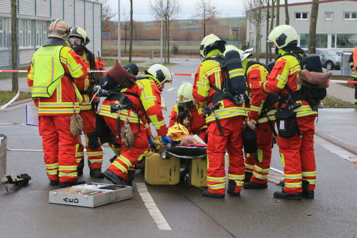 Zwei Verletzte musste die Feuerwehr retten.