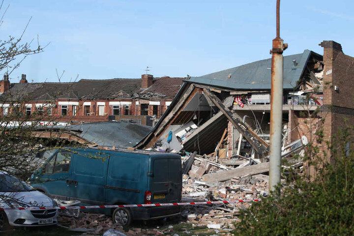 Mehrere Häuser stürzten ein.