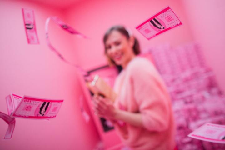 Eine der favorisierten Farben in dem Instagram-Haus: knalliges rosa.