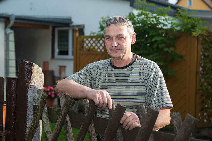 Anwohner Joachim Heide (60) schreckte der laute Knall aus dem Sessel.