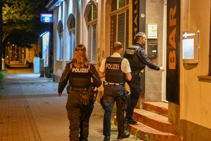 Die beiden Täter (20, 30) wurden kurz darauf geschnappt.