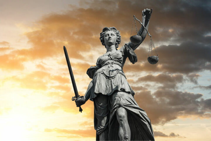 Die Staatsanwaltschaft hatte eine Haftstrafe von fünf Jahren und zwei Monaten beantragt.(Symbolbild).