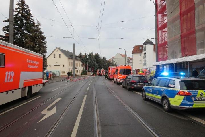 Feuerwehreinsatz in der Bornaischen Straße in Leipzig am Freitagmorgen.