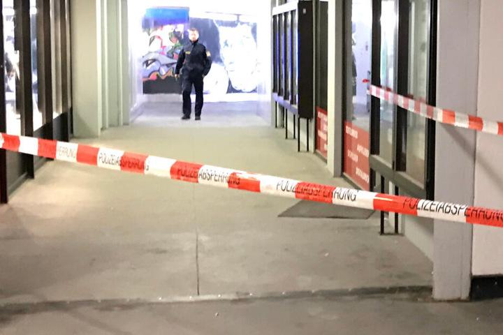 Die Polizei konnte das schwer verletzte Opfer des Angriffs retten. (Symbolbild)