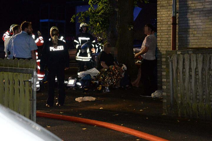 Polizei und Feuerwehr waren im Einsatz, um die Menschen zu versorgen.