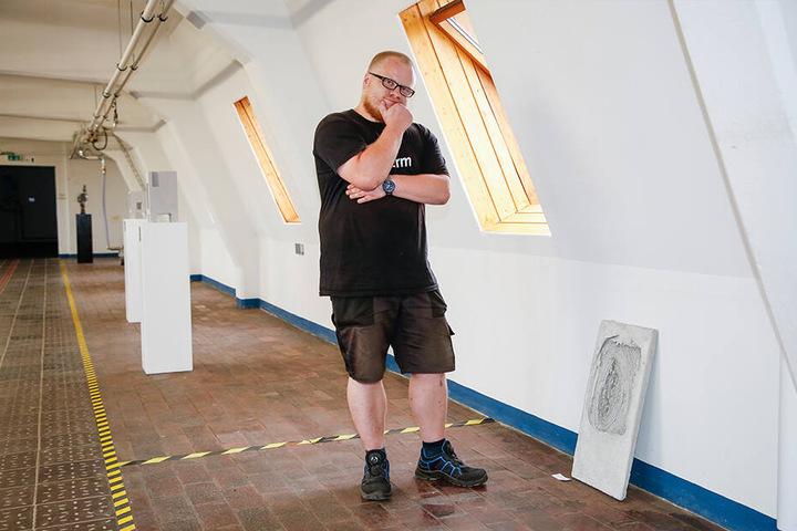 """Techniker Paul Michel (34) entdeckte das """"neue"""" Ausstellungsstück."""