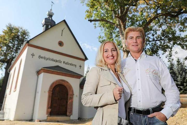 Das Musiker-Paar Tino Taubert(53) und Vivienne Leis (39) setzte sich eine Kapelle in den Garten.