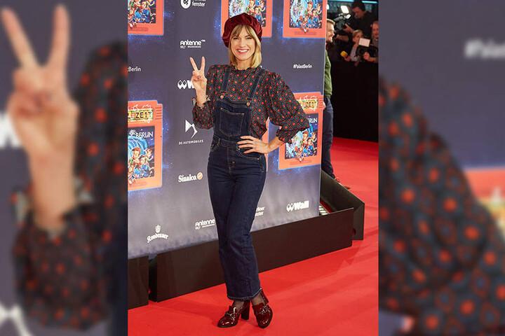 """Im stylishen Outfit erlebte Isabell """"eine zauberhafte Premiere""""."""