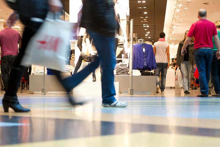 Auch an diesem Sonntag öffnen die Shoppingcenter in Berlin ihre Geschäfte. (Symbolbild)