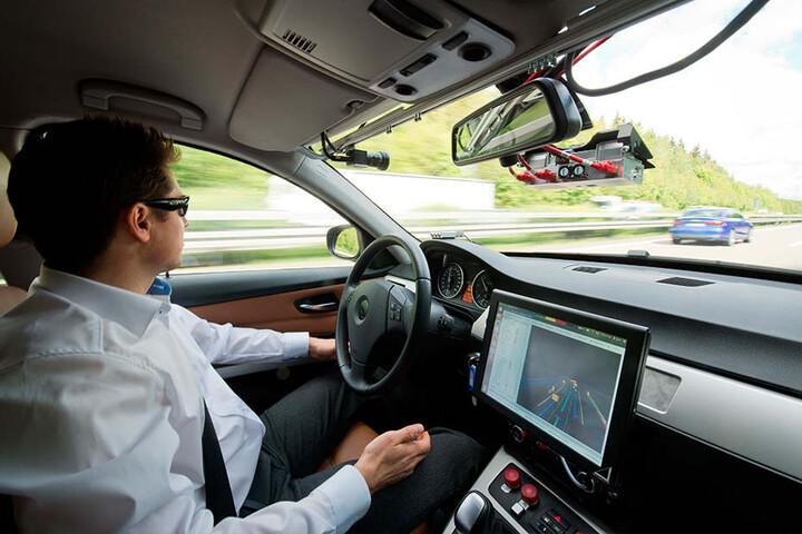 Prototyp eines Autos, das fürs autonome Fahren genutzt wird. Noch ist es Zukunftsmusik.