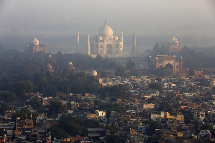 Im indischen Agra steht das weltberühmte Taj Mahal.