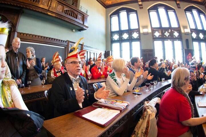 Die närrische Ratssitzung nach der Erstürmung des Rathauses.