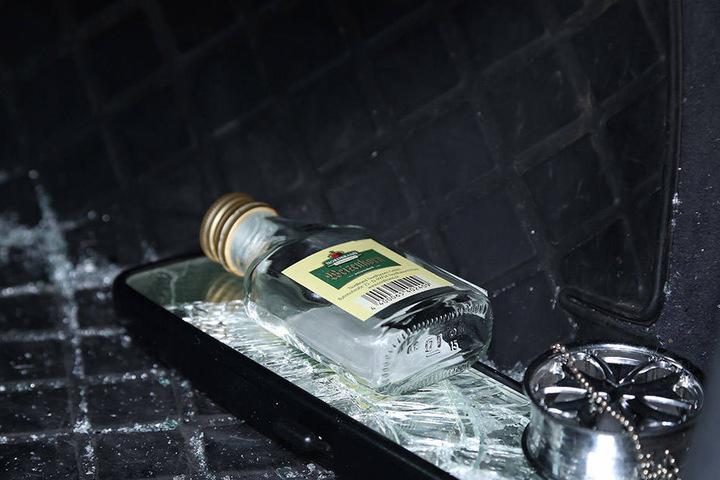 Der Fahrer war zum Tatzeitpunkt schwer alkoholisiert. Ein Atemtest ergab einen Pegel von 2,5 Promille.