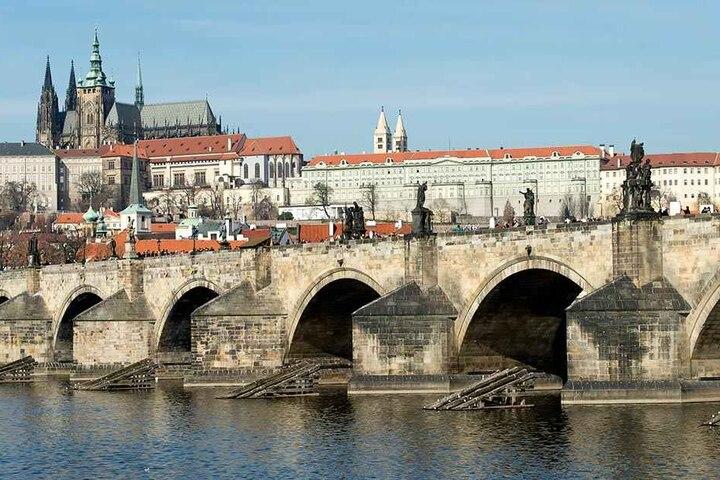 Die Karlsbrücke in Prag.