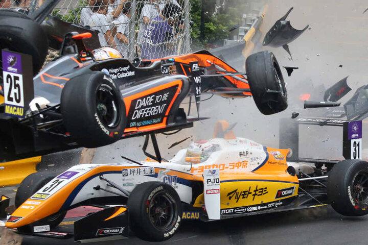 Unfall in Macao: Sophia Flörsch im oberen Rennwagen zog sich bei dem Crash schwere Verletzungen zu.