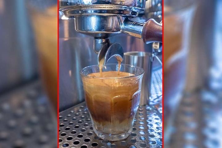Das ultimative Sommergetränk für Kaffee-Liebhaber: Espresso-Tonic