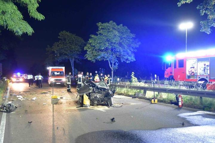 Das Unfallauto auf der Kölner Militärringstraße.