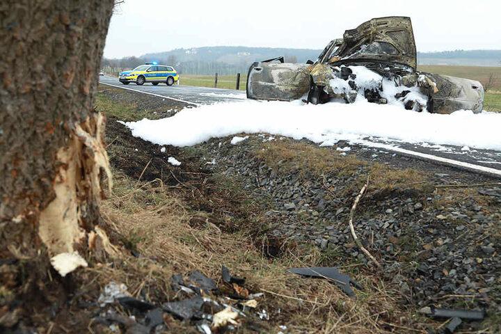 Die Staatsstraße war nach dem Unfall gesperrt.