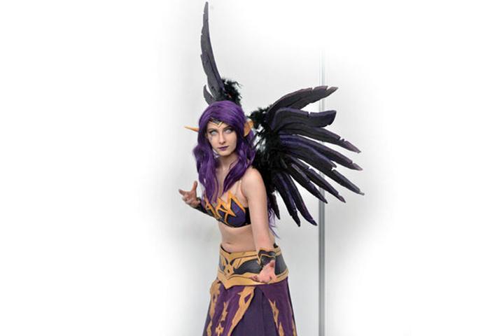 Cosplayerin Alicia (19) hat mehrere Wochen an ihrem Kostüm genäht und gebastelt.