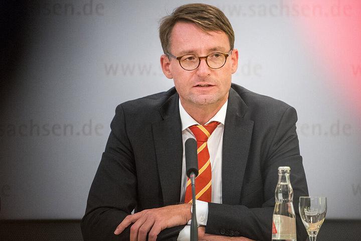 Innenminister Roland Wöller (48, CDU) will sich nicht allein auf Erfahrungen in anderen Bundesländern verlassen.