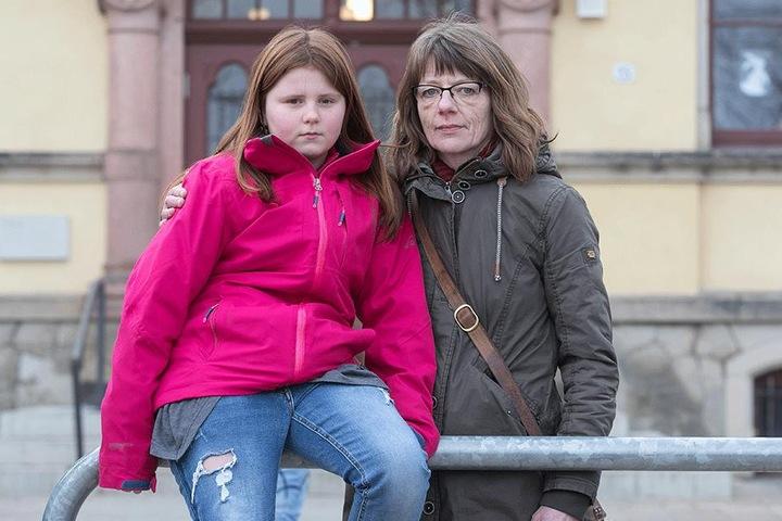 Silke Schäfer (46) sorgt sich um die Lernfortschritte ihrer Tochter Josefine (10).