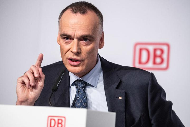 Bahnmanager Berthold Huber (56).