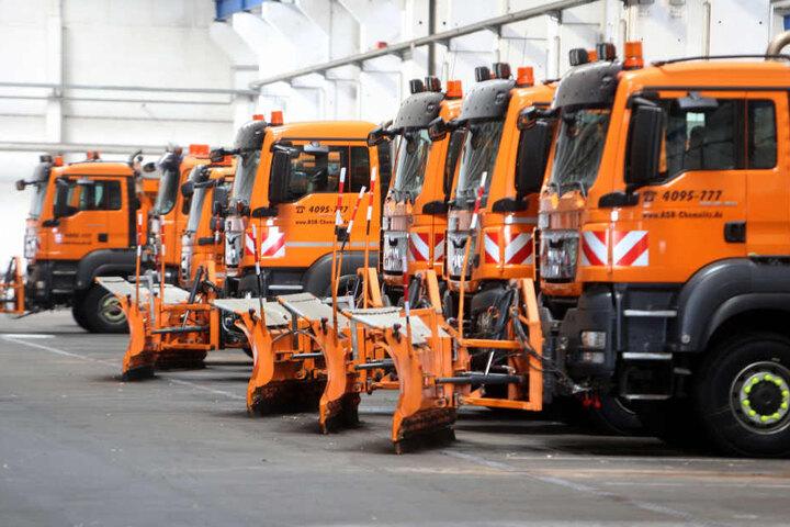Der ASR ist für den Winter gerüstet. 38 Fahrzeuge zum Räumen und Streuen stehen schon bereit.